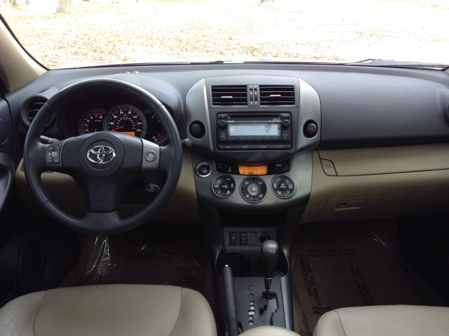 Pre-Owned 2012 Toyota RAV4 Limited